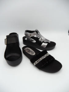 dunkle schuhe